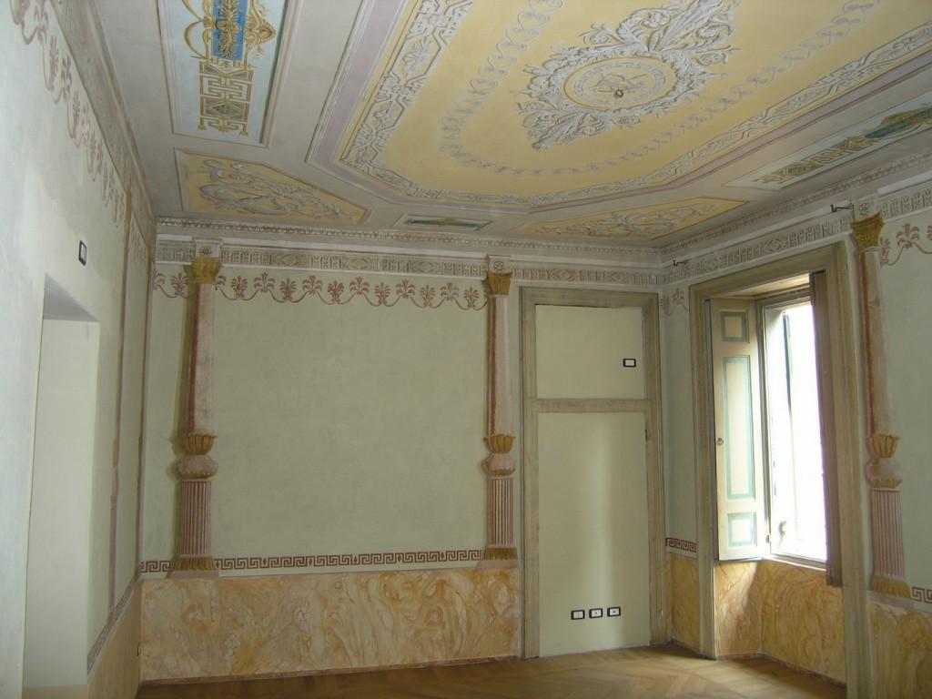 Vendita bilocale in palazzo storico gandino bergamo for Appartamenti bergamo
