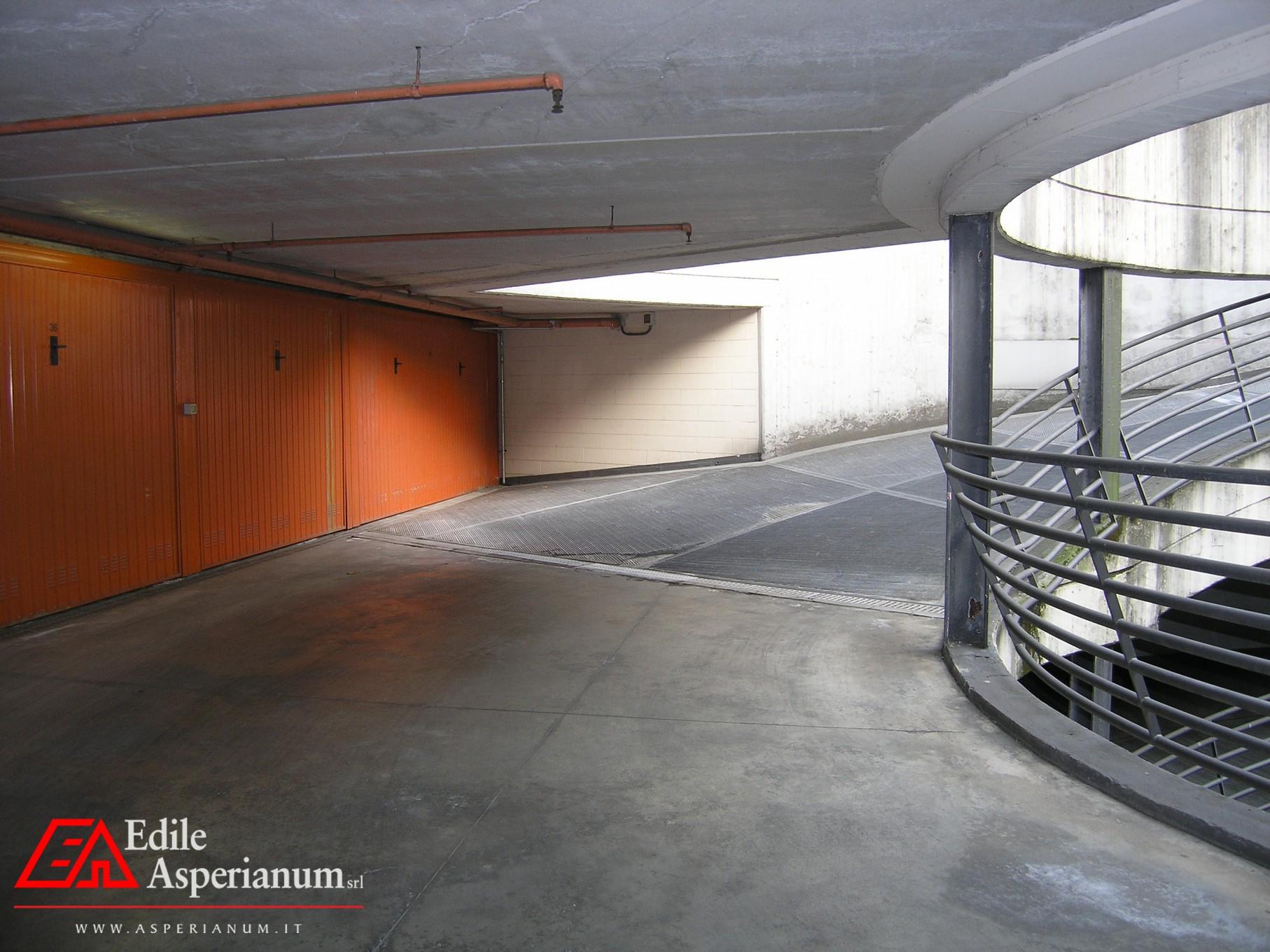 Vendita Box Auto Bergamo (Quarenghi – Scotti)